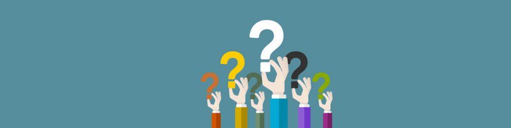 ידיים מחזיקים סימני שאלה